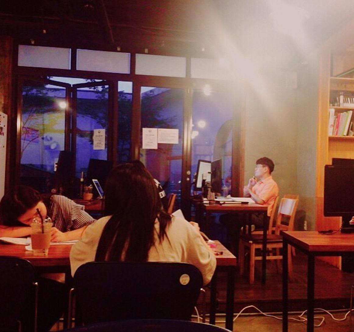 [코워킹스페이스] 재미있는 공간 서울시립대 근처에 있는 Do cafe